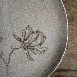 dotting-tableware-23